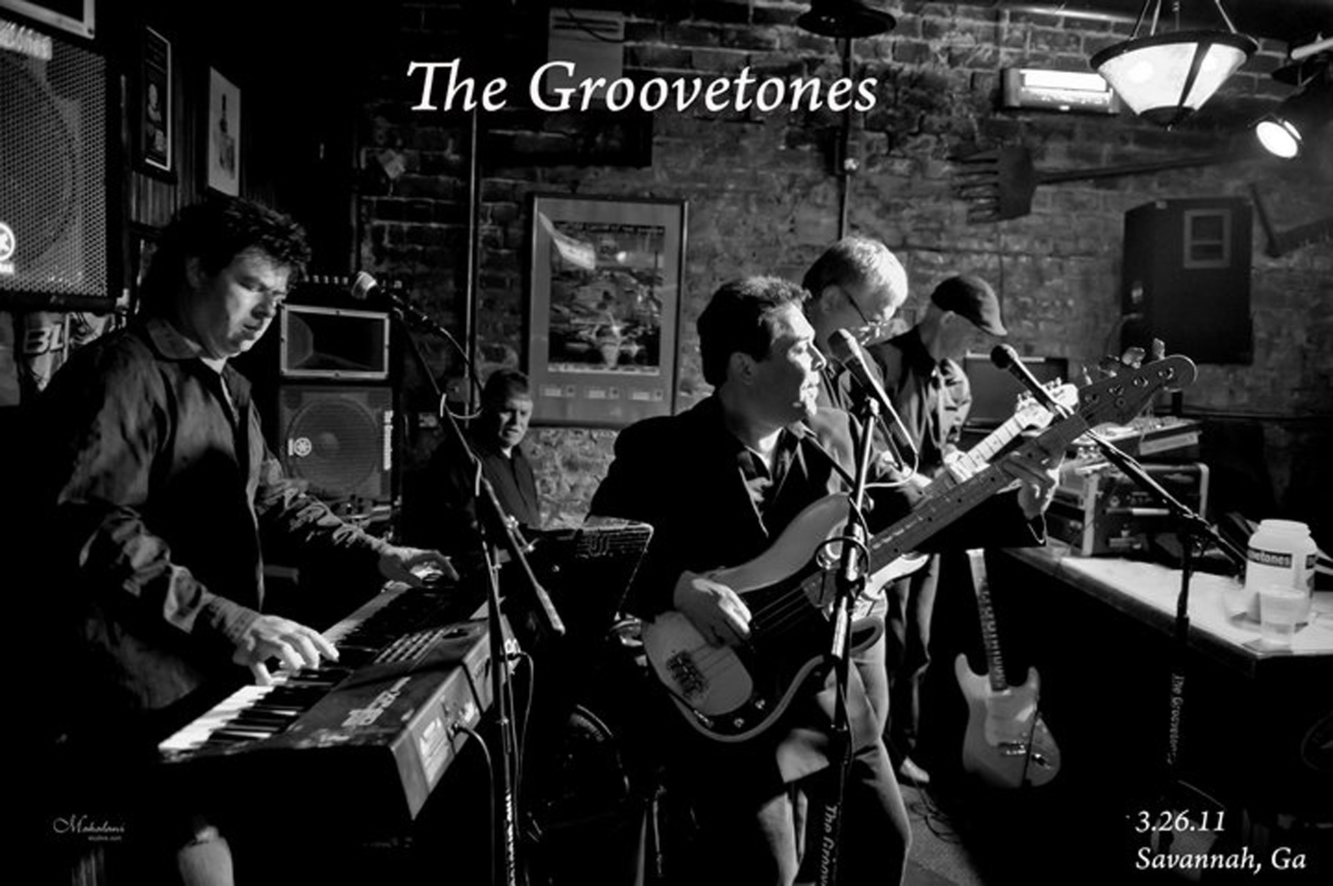 Groovetones